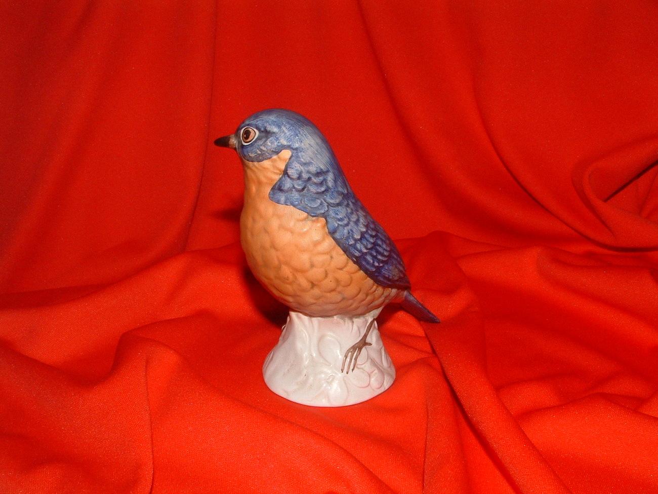 HUMMEL / GOEBEL # 38 575 TMK 5 BIRD FIGURINE