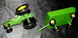 Ertl John Deere replica die-cast tractor with wagon AA19-1639 Vintage image 10