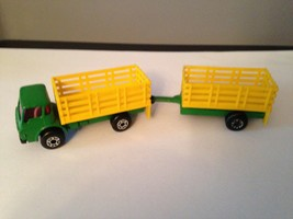 MATCHBOX SUPERFAST TP103 -- DODGE CATTLE TRUCK & TRAILER - GREEN & YELLO... - $6.10