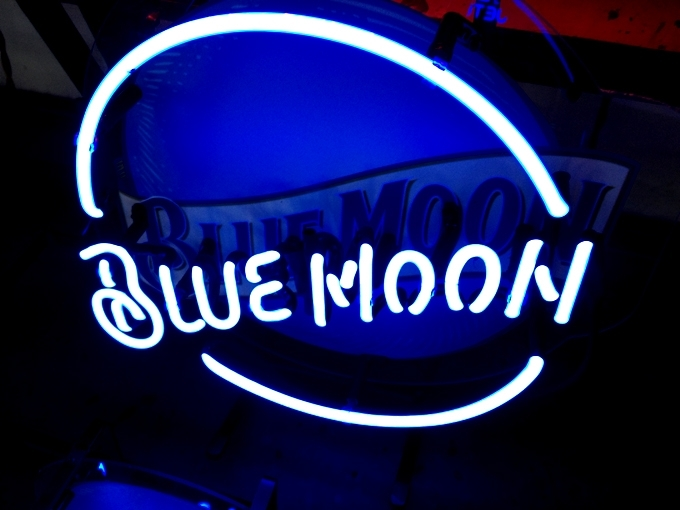 """Blue Moon Beer Bar Neon Light Sign 16\"""" x 16\"""" - Neon"""