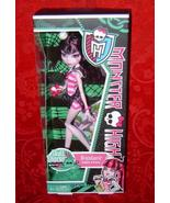 Monster High Skull Shores Draculaura Daughter of Dracula - $18.00