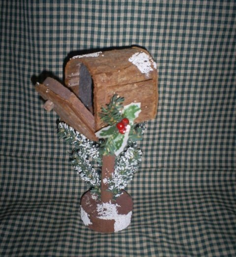 Wooden Rural Mailbox for Christmas, 8 1/2 inches tall