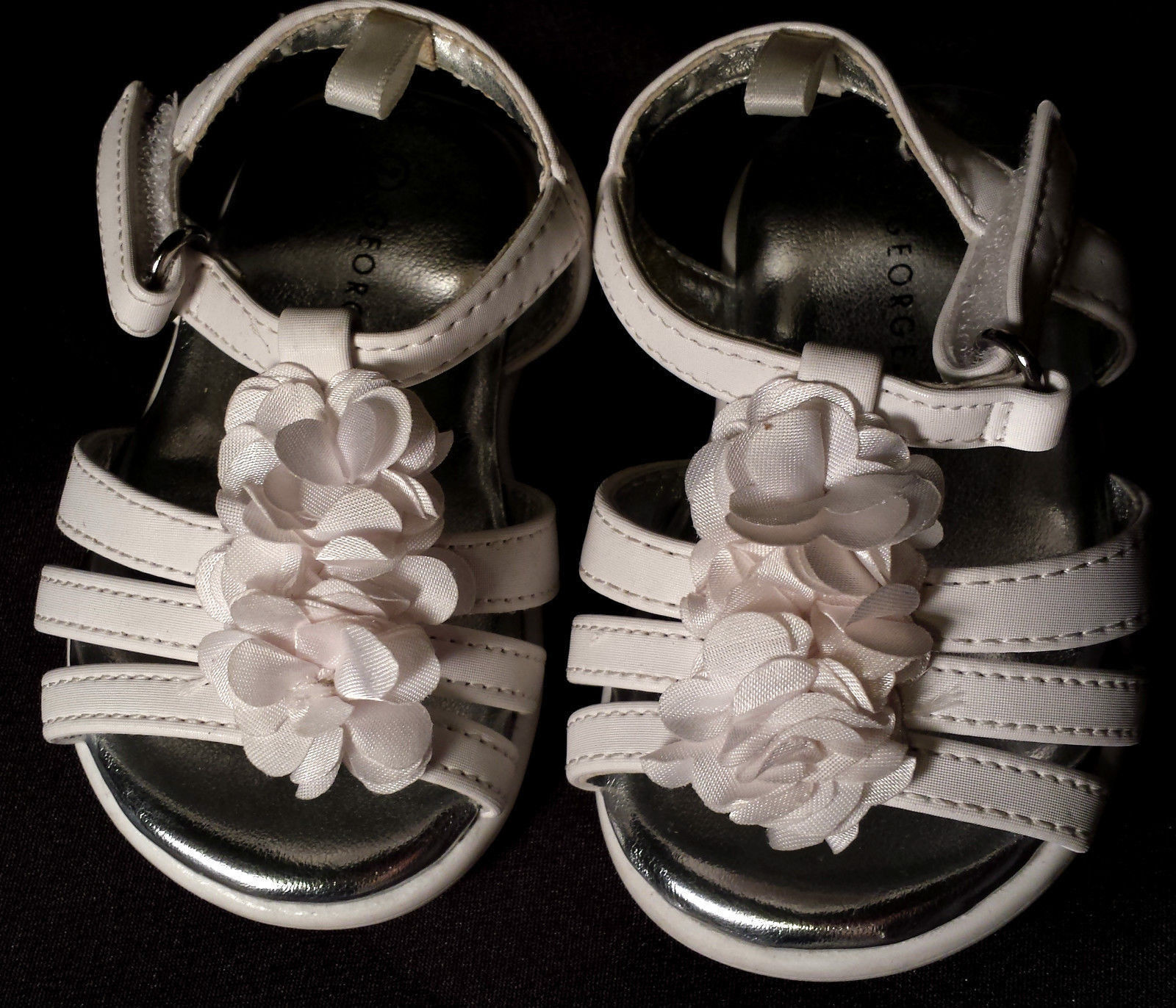 Sweet Baby Girl's Size 2 Infant Toddler White Floral Designed Velcro Sandals
