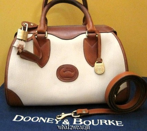 VINTAGE DOONEY & BOURKE PADLOCK & KEY DOCTOR BAG SPEEDY