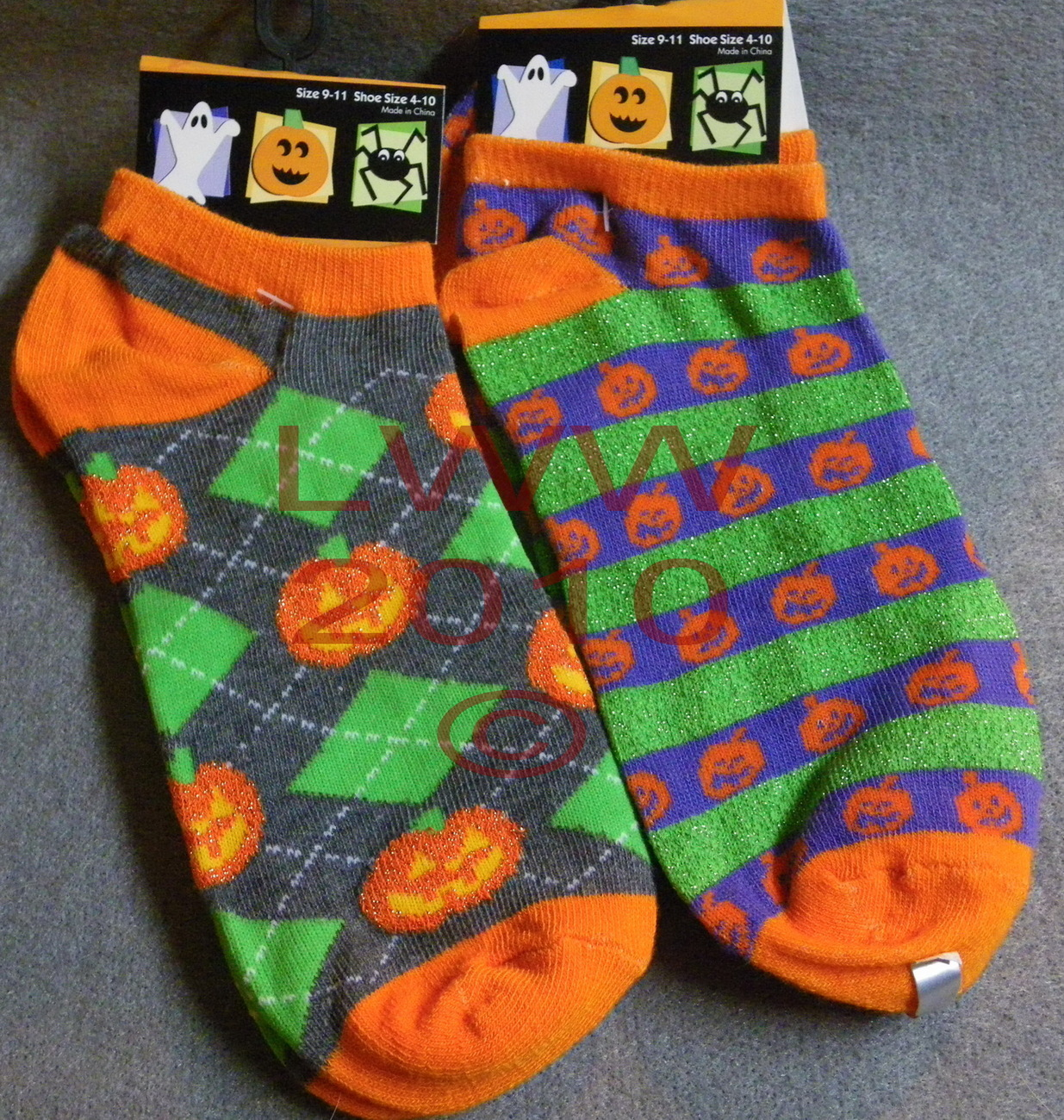 2 prs Ladies ankle-high Halloween jack-o-lantern socks