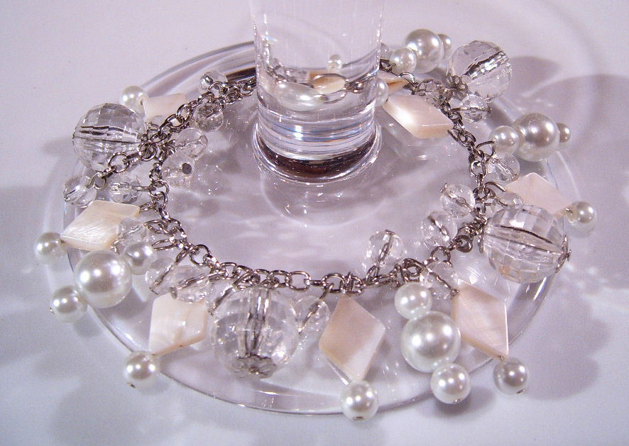 Bracelet white pearls clear crystal beads mother pearl  2