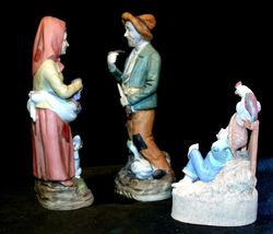 Country Living Figurines - Man, Woman and Child AA-191974 Vintage image 3