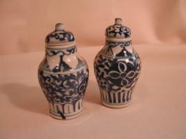Antique Chinese Porcelain Pr Small Blue White Jars Lids - $255.00