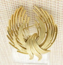 CROWN TRIFARI Textured Abstract Modern Openwork Circle Wreath Brooch Pin... - $29.70