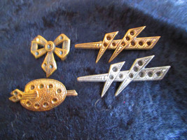 brass Bow painters pallet 2 lighting bolts pin brooch vintage craft all ... - $18.00