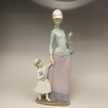 Lladro Mother Daughter Homecoming Lady Woman Holding Childs Hand Retired... - $247.49