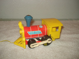 Vintage 1964 Fisher Price Toot-Toot train engine pull toy #643 - $9.89