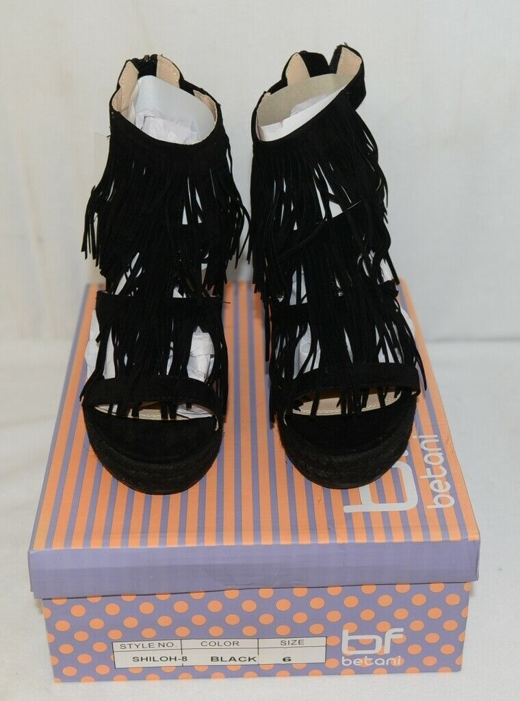 BF Betani Shiloh 8 Black Fringe Wedge Heel Sandals Size 6
