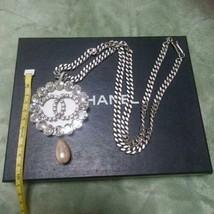 Auth Chanel Collar Baño de Plata Vintage Charm Perla CN0274 - $952.36