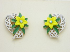 VTG CROWN TRIFARI Gold Tone White Enamel Rhinestone Yellow Flower Earrings - $99.00