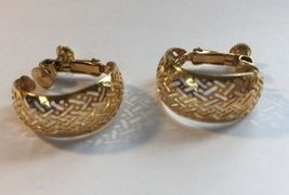 Napier Thick Hoop Criss Cross Gold Tone Screw Back Earrings Vintage Women  image 5