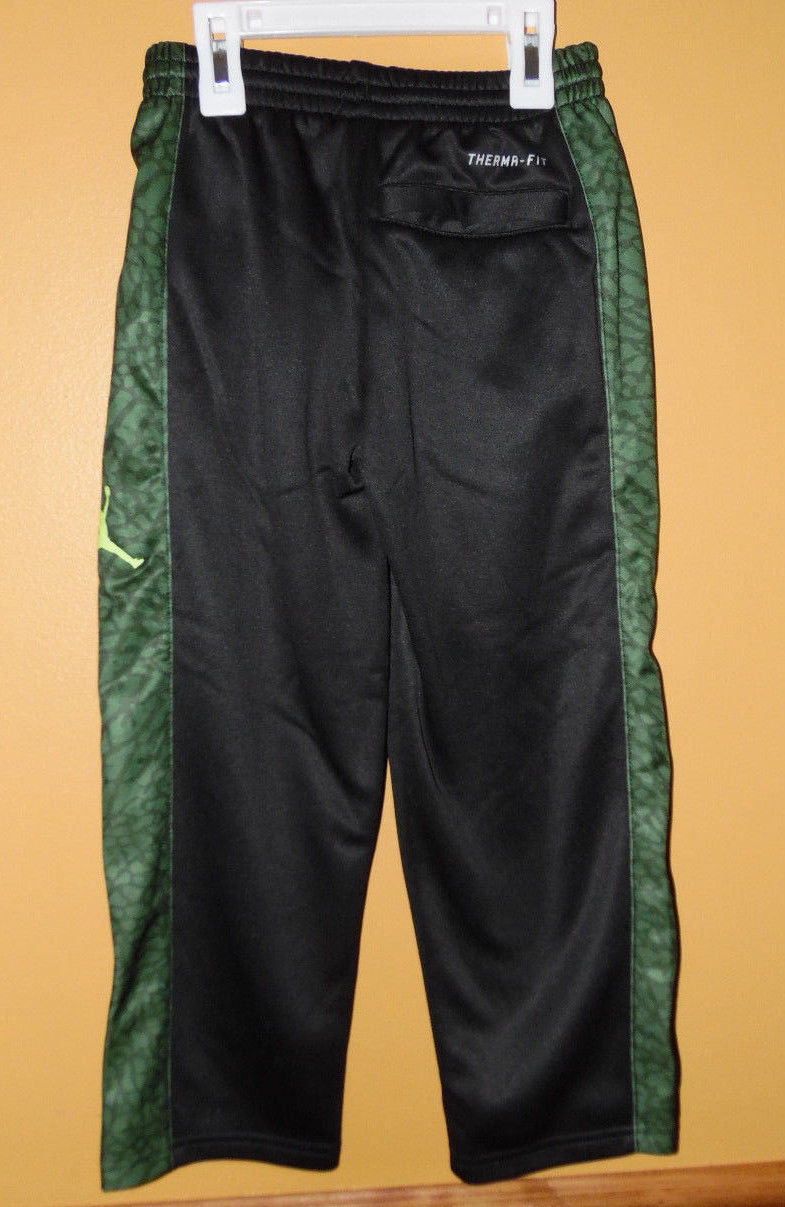 65dbe4c9a Nike Air Jordan Boys Athletic Therma-Fit Pants Gray Size 4 NWT