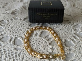 Avon Designer Signed Pearlesque Treasure Bracelet  - $11.63