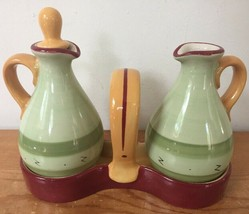 Pfaltzgraff Pistoulet By Jana Kolpen Oil Vinegar Pitcher Cruet Set W/ Holder - $39.99