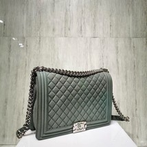 AUTHENTIC CHANEL MATTE CAVIAR QUILTED GREEN LARGE BOY FLAP BAG SILVERTONE HW image 3