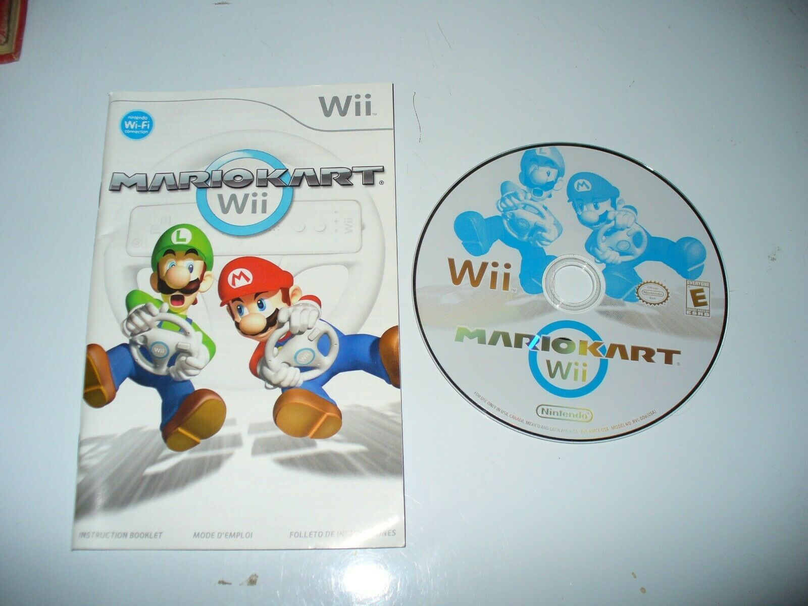 Mario Kart Wii (Nintendo Wii, 2008) Disc and Manual Generic Case 2e - $22.65