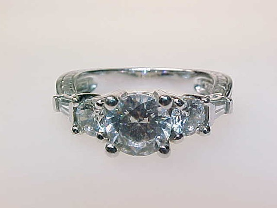 Primary image for 3 STONE CUBIC ZIRCONIA Sterling Silver RING - Size 6