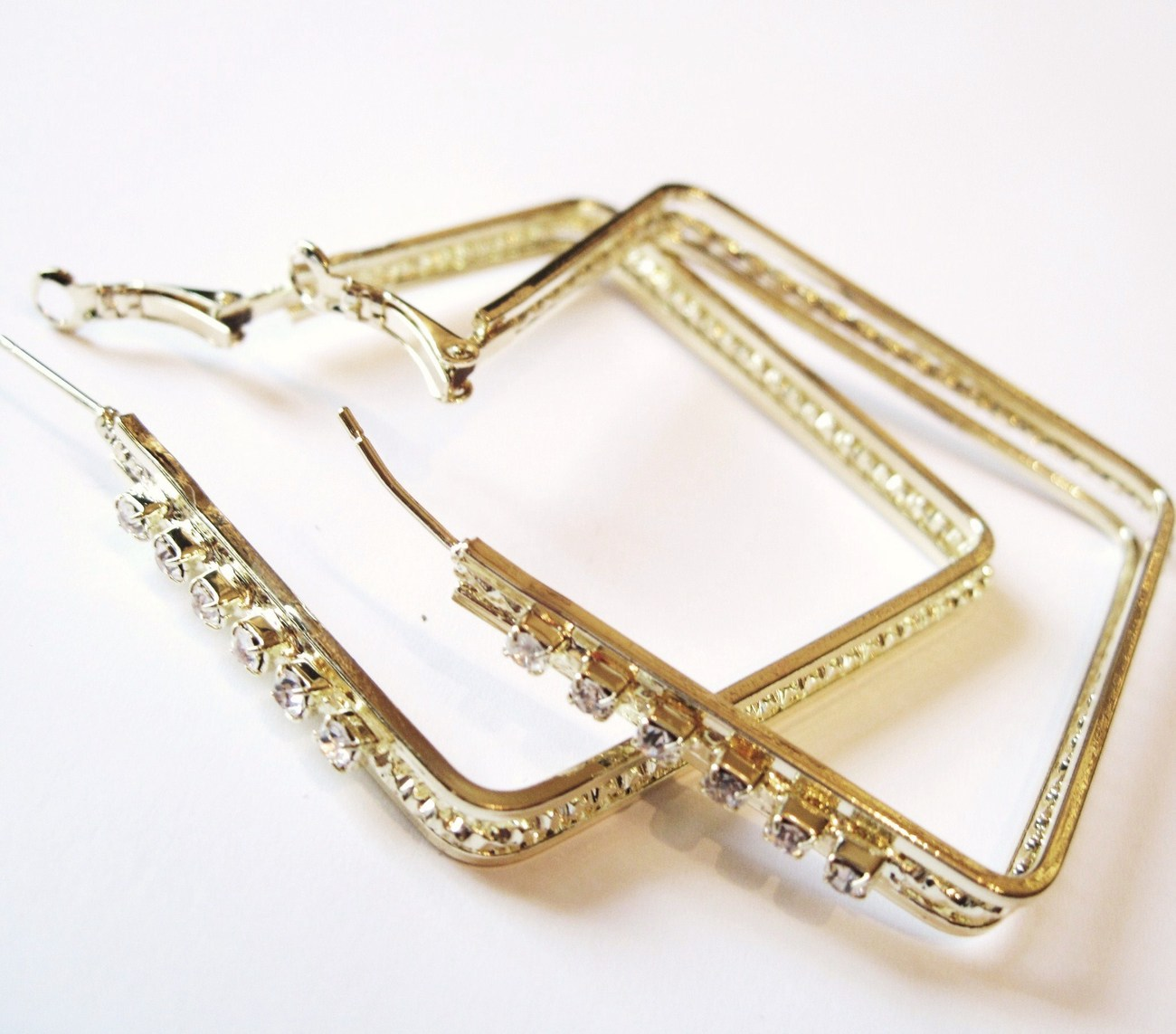 Ea87 cz square gold hoop 2 in