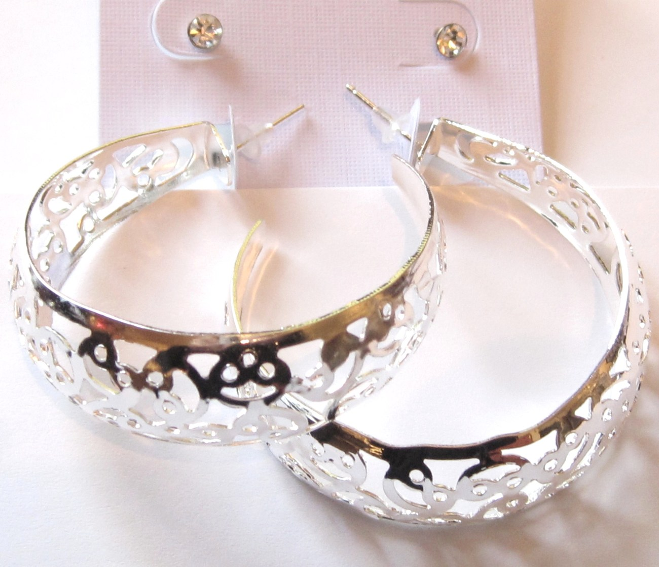 Ea95 filigree silver hoop 1.75 stud cz