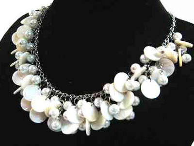 Mother of pearl necklaces 0270n