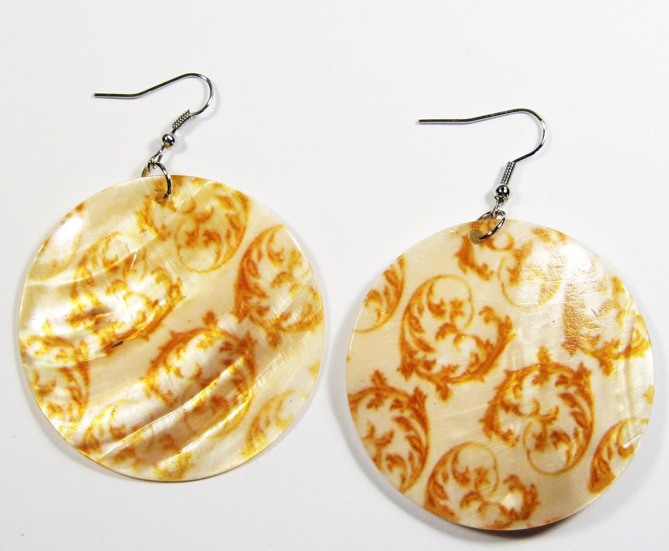 Ea140 shell earrings