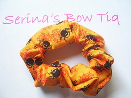 HALLOWEEN BLACK SPIDERS ORANGE PONYTAIL HOLDER WRAP HAIR SCRUNCHIES - $2.99