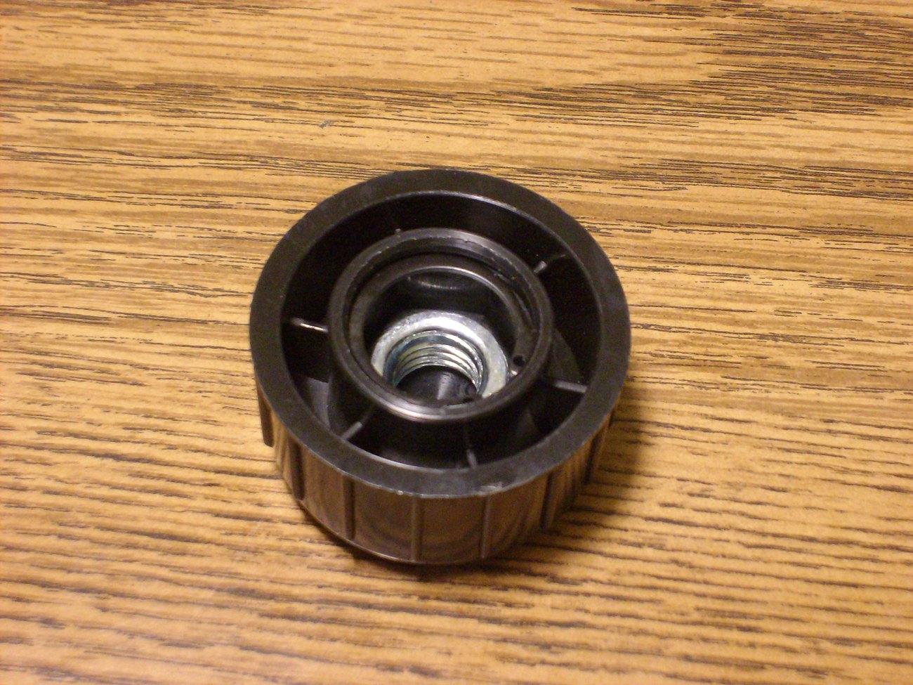 Bump Head Knob fits Stihl FS36, 40, 55, 66, 72, 76, 81, 86, 96, 40047104000
