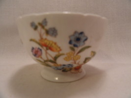 Aynsley Tea Cup English Bone China White Floral Pattern - $19.99