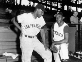 Willie Mc Covey & Roberto Clemente 8X10 Photo Sf Giants Pirates Baseball Picture - $3.95