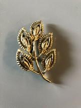 Vintage Signed Gerrys Gold Tone Leaf Brooch Pin - $6.92