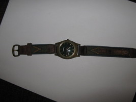 Fossil Watch , JR-7571 , Water Resistant , 3 ATM , Japan , Green Face , RARE - $50.00