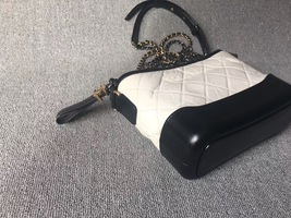 AUTHENTIC Chanel 2018 BLACK White Quilted Leather Small Gabrielle Hobo Bag GHW image 4