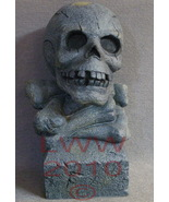 Skull on Stack of Bones Bust Halloween Resin Statue - $19.99