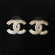 AUTHENTIC CHANEL 2018 CLASSIC XL GOLD CRYSTAL CC LOGO EARRINGS MINT