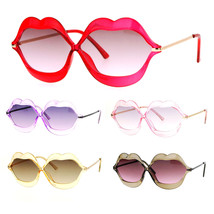 SA106 Love Lip Shape Kiss Womens Sunglasses - $13.19 CAD+