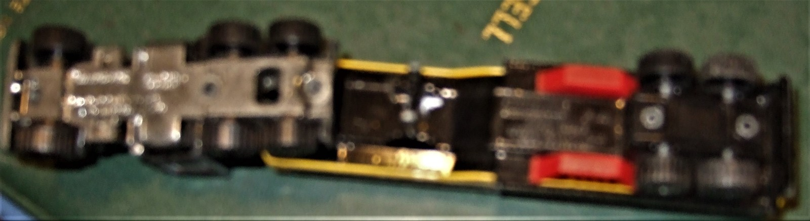 "Matchbox -  Convoy PETERBILT ""SUPERGAS TANKER"" image 9"