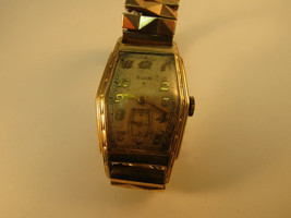 1930'S 15 Jewel Elgin Art Deco Coffin Case Watch Runs For Restoration Or Parts - $125.19