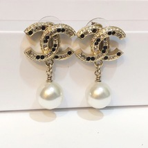[SALE] AUTH CHANEL GOLD 2 TONE BLACK LARGE CRYSTAL CC PEARL DROP EARRINGS  image 3