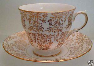 QUEEN ANNE Design GOLDEN Teacup and Saucer Set RIDGEWAY