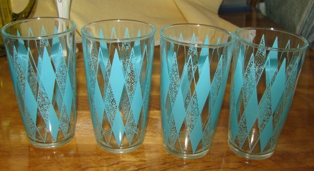 Turq glasses 1