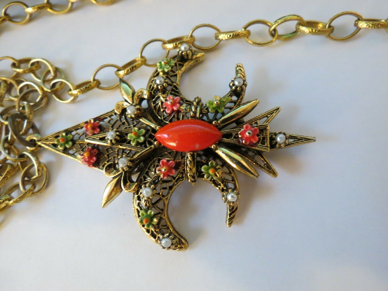 "VTG ART Fluer De Lis Pendant Necklace Enamel Flower Filigree Open Work 30"" Chain image 2"