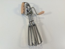 Vintage Egg Beater - Maynard - Made in USA - Peach/Pink Handle - $19.99
