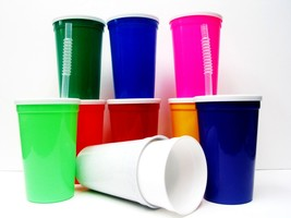 100- Large 20 Ounce Plastic Drinking Glasses Lids Straws Mix of Colors M... - $85.10