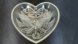 Mikasa Crystal Heart Shaped Candy Dish - Frosted and Clear Pair of Cardi... - $8.00