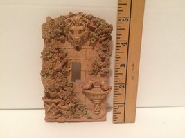 Light Switch Plate Cover French Garden Raised Design Birdbath Lion Head ... - $7.00